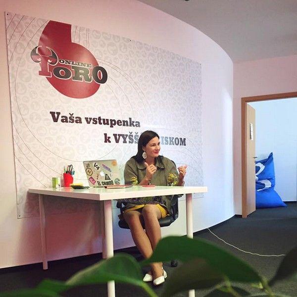 Katarína Molnárová Online Toro